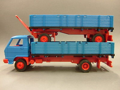 Fleischmann-Magic-Train-2900-2910-MAN-LKW.jpg