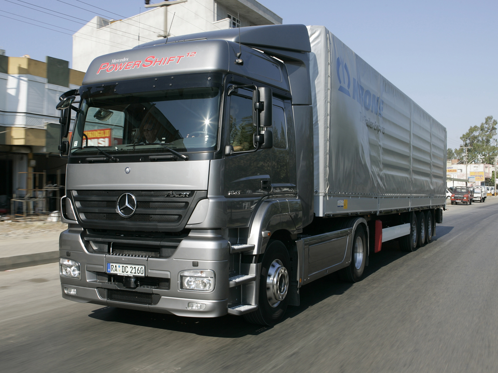 Mercedes_Benz-Axor_mp35_pic_50926.jpg