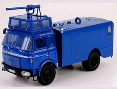 Camion-Berliet-Gbk-Anti-Emeute-Collection-Hachette-Ixo[1].jpg